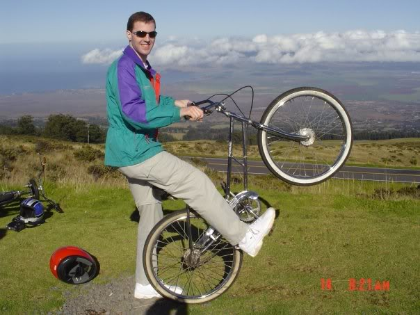 Jeff showing off at a bike rest stop on Halekala