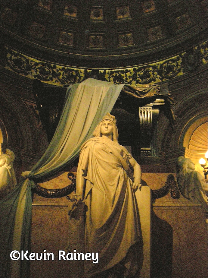 Martín's mausoleum