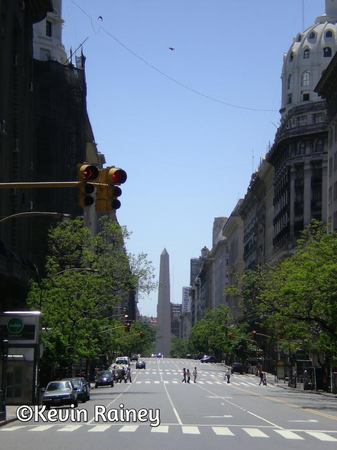 El Obelisco and a beautiful boulevard
