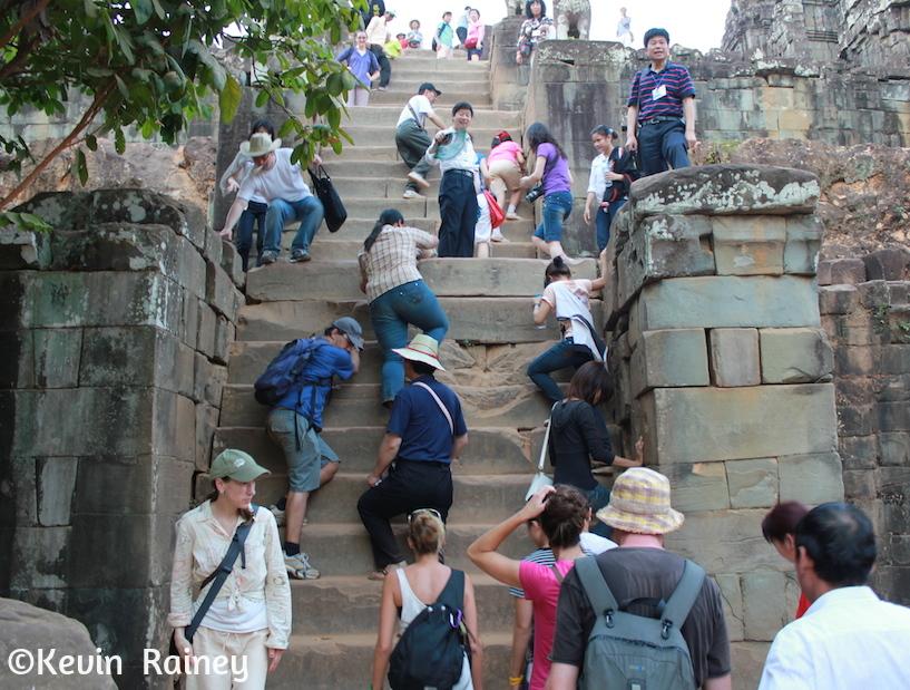 Phnom Bakheng temple climb
