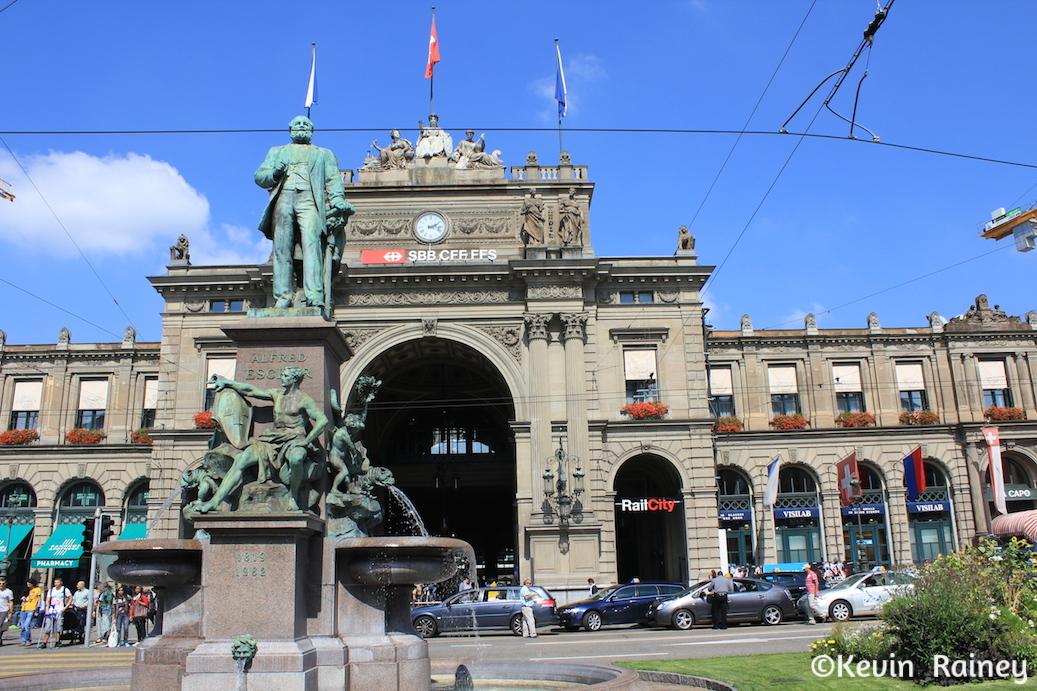 Outside Zürich Hauptbahnhof