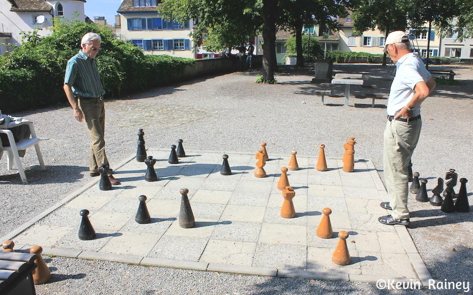 Old men playing chess at the Lindenhoff