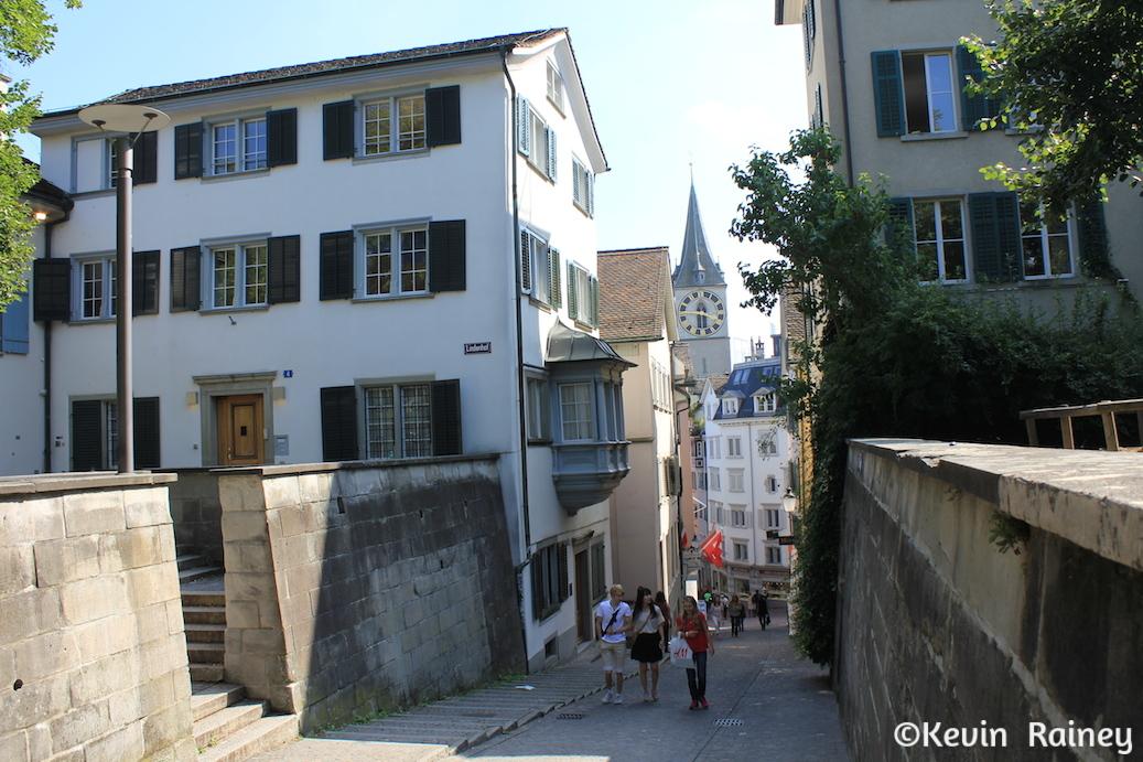 Walking from the Lindenhof to the Altstadt