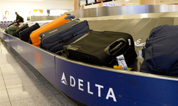 Delta-Airlines-Baggage